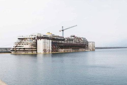 イタリア客船の座礁事故01