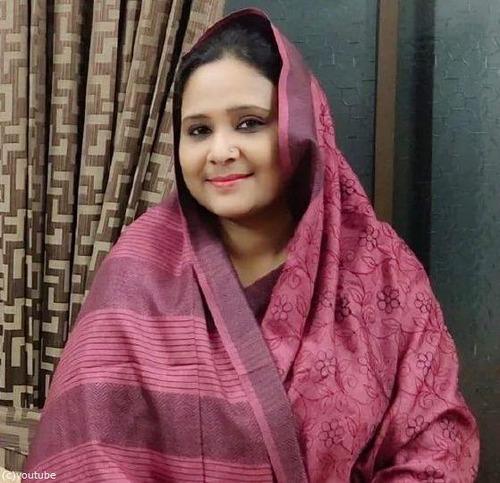 バングラデシュの女性議員、大学の試験で替え玉03