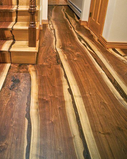 巨大ハリケーンになぎ倒された木で造った床や階段03