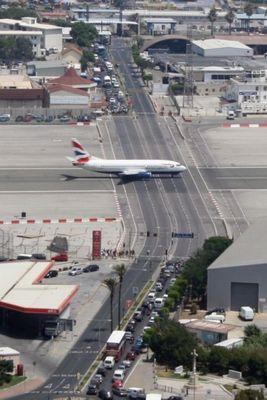 ジブラルタル空港04