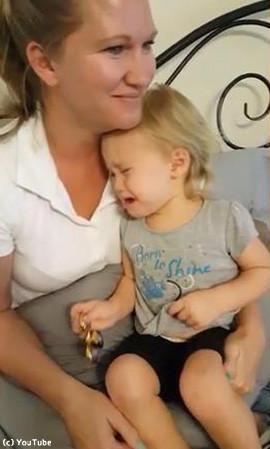 セリーヌディオンを聴くと必ず泣く赤ちゃん02