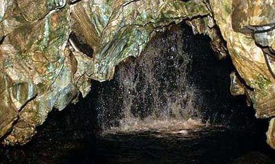 ホワイト・スカー洞窟05