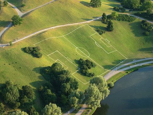 サッカーしかすることがない場所09