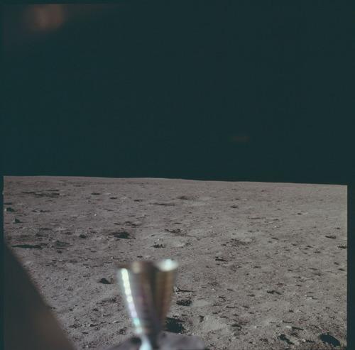 人が撮った、初めてと最後の月の写真01