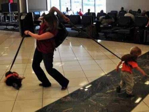 空港で見かける奇妙な事 00