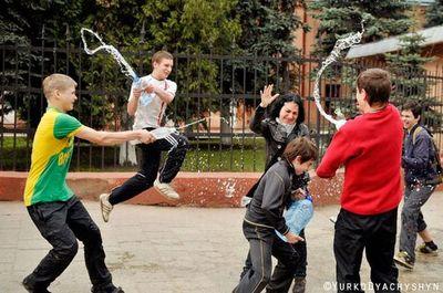 ウクライナの水掛けっこ08