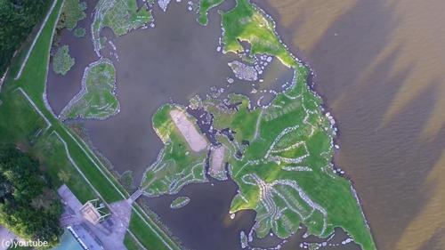 デンマークの湖に大きな世界地図11