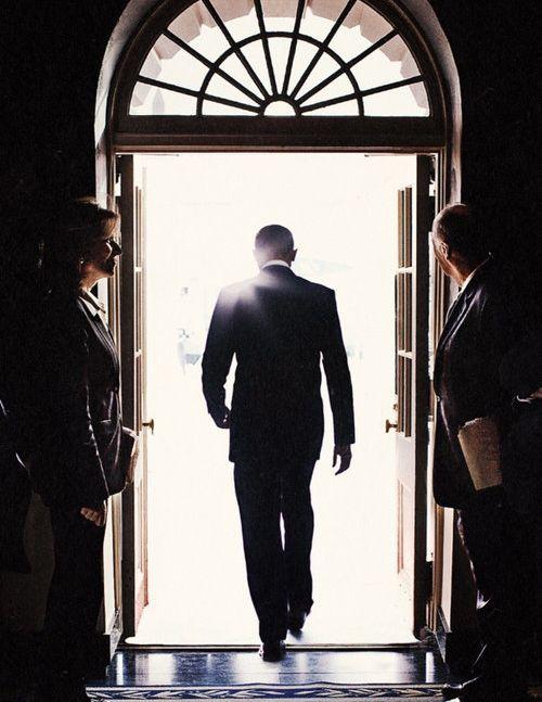 オバマ元大統領の後ろ姿01