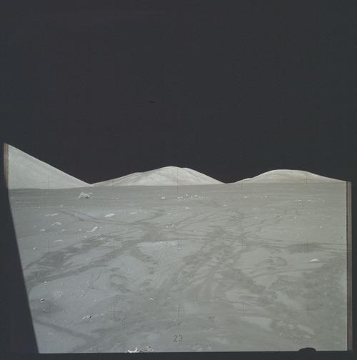 人が撮った、初めてと最後の月の写真02