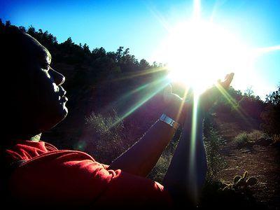 その手に太陽をつかんだ人々13