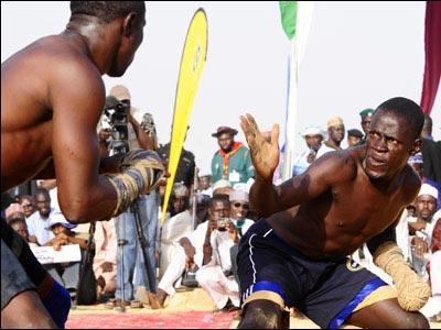 アフリカで繰り広げられるド迫力の格闘技02