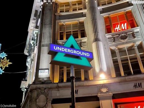 ロンドン地下鉄のサインがPS5に03
