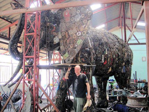 リサイクル彫像10