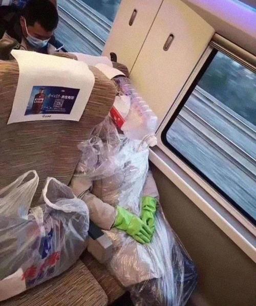 ニューヨーク地下鉄のマスク11