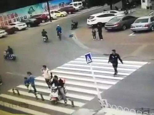 横断歩道の予想外の事故02