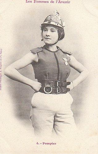100年前に想像した未来の女性像04