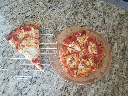 ピザを盗み食いする知恵02