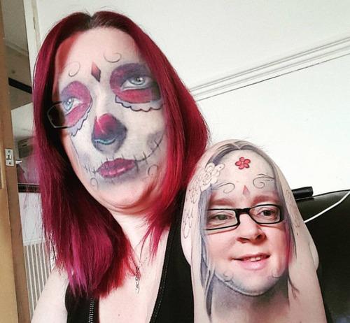 タトゥーと顔交換アプリを使うとホラーになる09