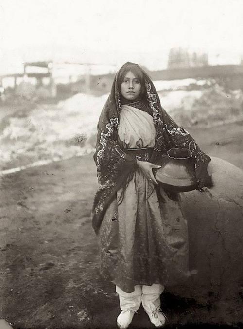 アメリカ先住民の女の子たち02