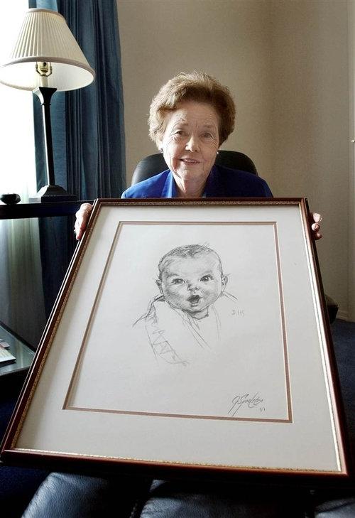 おばあちゃんが90年前に描いてもらった似顔絵01