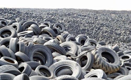 クウェートのタイヤ廃棄05