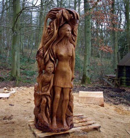 チェーンソー彫刻04