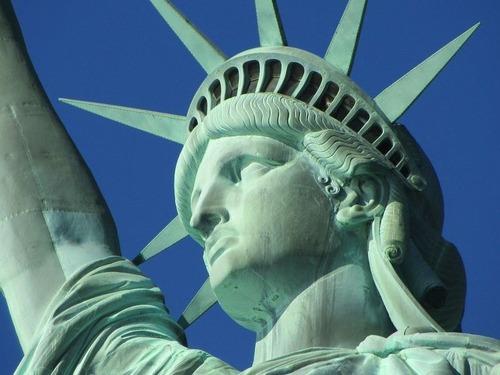 ヨーロッパ人はアメリカの政治システムをどう思っているのか