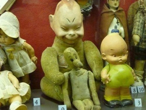 怖い子供のおもちゃ00