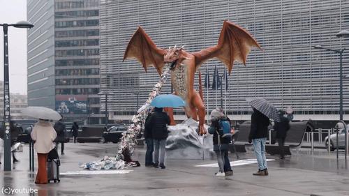 ブリュッセルにドラゴン像03