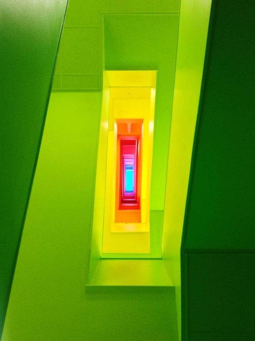 階段の各階に色を塗ったら01
