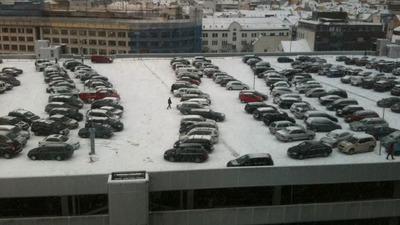 雪の駐車場01