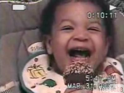 笑顔が悪い顔に豹変する赤ちゃん