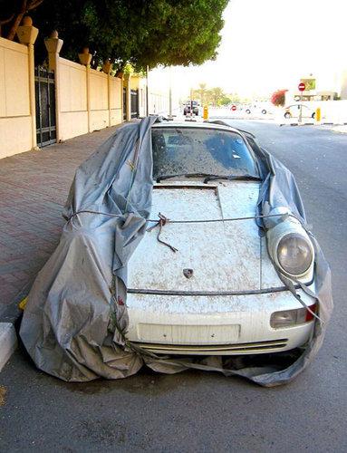 ドバイに乗り捨てられた車05