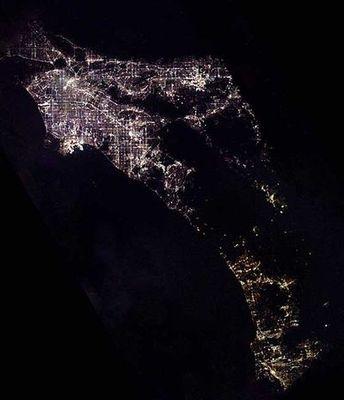 宇宙ステーションから見た世界の大都市の夜景19