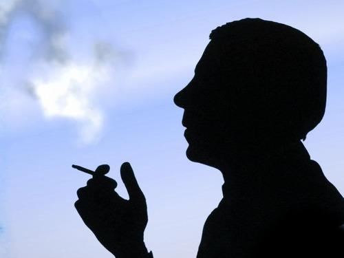喫煙所の天井00