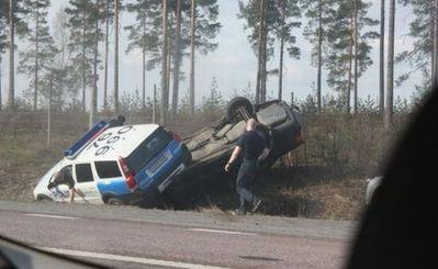 スウェーデン警察の荒っぽいカーチェイス04