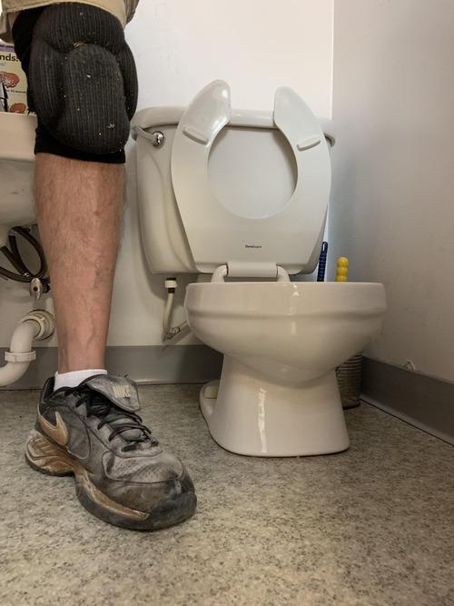 幼稚園のトイレを設置01