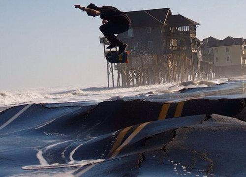 ハリケーン後のスケートボード02