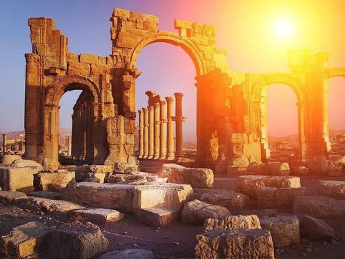 古代ギリシャ競技場のビフォー&アフター