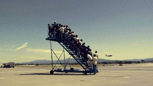 空港で見かける奇妙な事 30