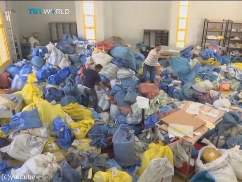 8年間ブロックされていた10トンの郵便物がパレスチナに00