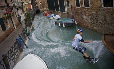 ベネチアで水上スキー02