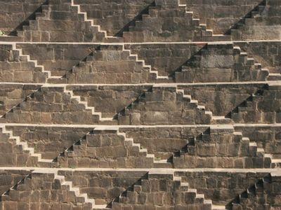 階段だらけのインドの井戸「Chand Baori」04