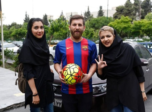 メッシそっくりのイラン人が逮捕05