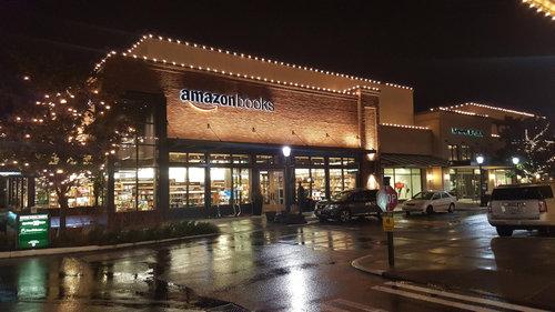 Amazonが本屋を営業01