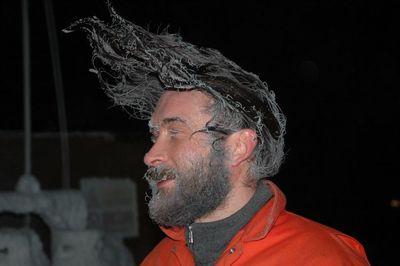 マツゲや髪まで凍った人07