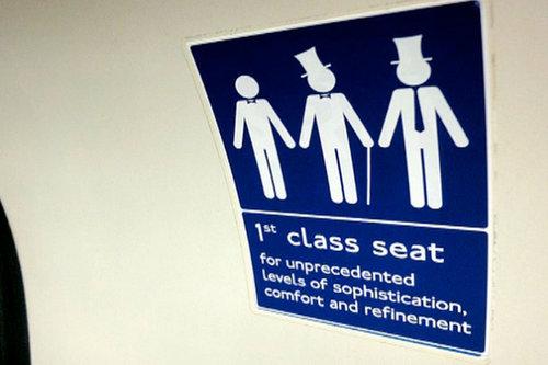 ロンドン地下鉄ゲリラステッカー01