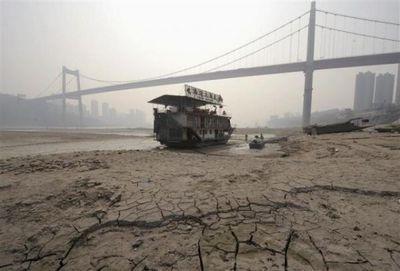 中国を襲う大干ばつ01