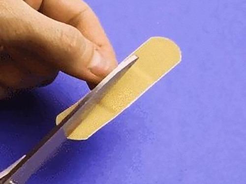 関節に絆創膏を貼るライフハック02