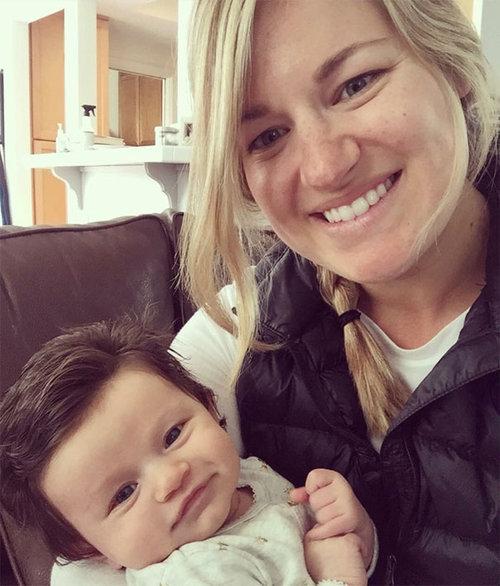 髪がフサフサの赤ちゃん01